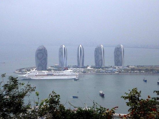 Sanya, Kina: Океанический порт