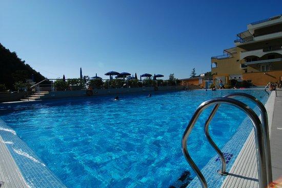 Best Western Hotel La Solara: Piscina