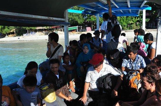 Gili Smile Bungalow: Boat to Gili Islands