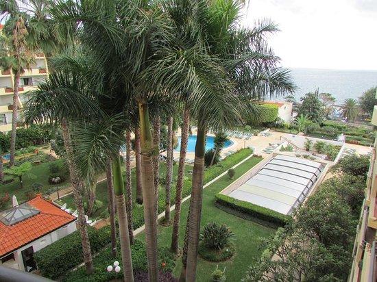 Suite Hotel Eden Mar : Balcony View (looking down)