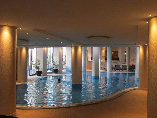 Suite Hotel Eden Mar : Fantastic Pool (in the Porta Bay Hotel next door)