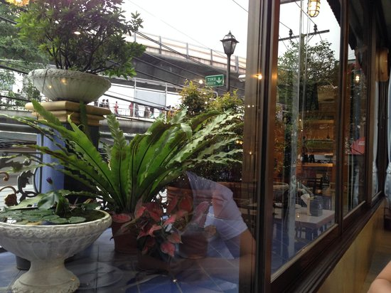 Pong Lee Restaurant: out window