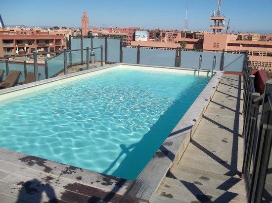 Hotel Almas : The icy pool