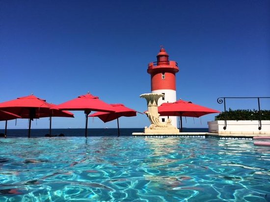 The Oyster Box : View from pool to lighthouse