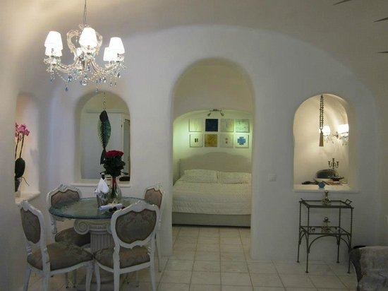 Art Maisons Luxury Santorini Hotels Aspaki & Oia Castle: Room