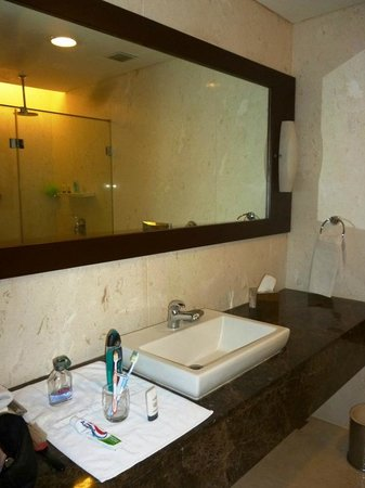 The Gateway Hotel Pasumalai Madurai : well appointed bathroom