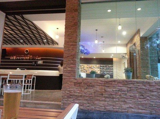 Yatale The Resort: ร้านอาหาร เปลญวน