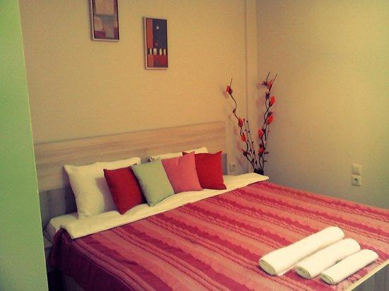 """Hotel Tri """"O"""": the room"""