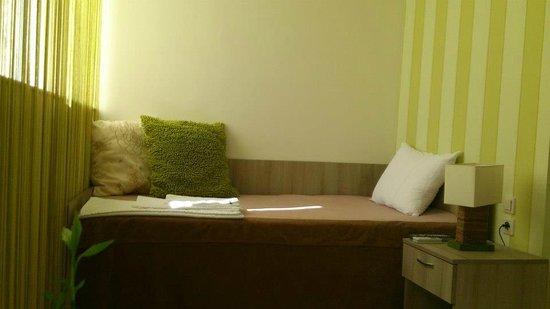 """Hotel Tri """"O"""": single room"""
