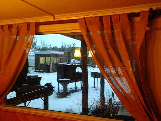 Parador Russfin: Vista al Exterior desde el Comedor en Invierno