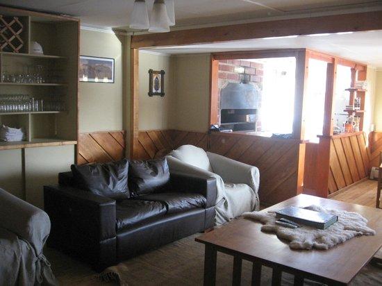 Parador Russfin: Muebles de Lenga y Cocina para Prepararse un Café o Té