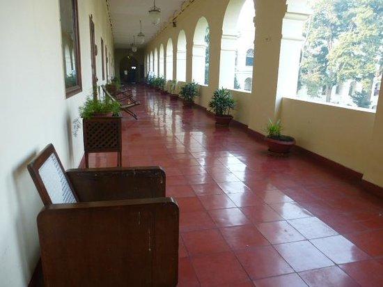 The Grand Imperial, Agra: cursive devant les chambres du 1er étage