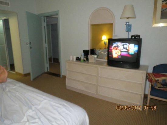BEST WESTERN Atlantic Beach Resort: suite