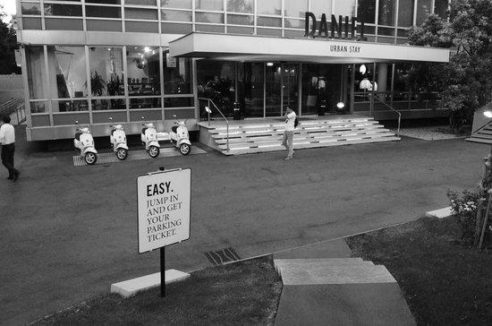 Hotel Daniel Wien: Entrance