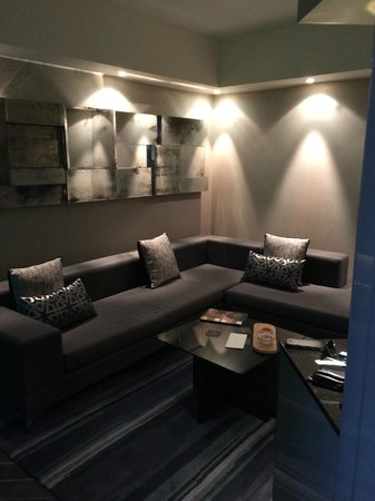 The Maslow : lounge area