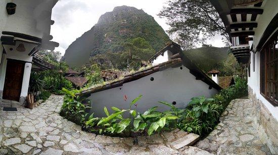 Inkaterra Machu Picchu Pueblo Hotel: En la puerta de la habitacion.