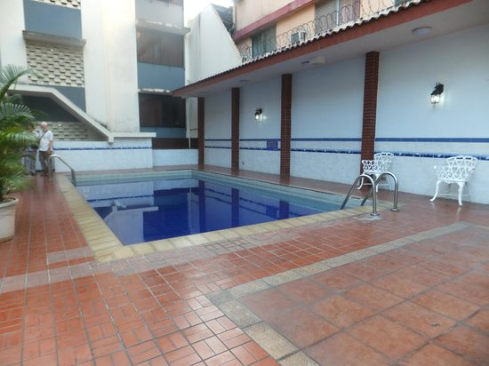 Euro Hotel: Pool
