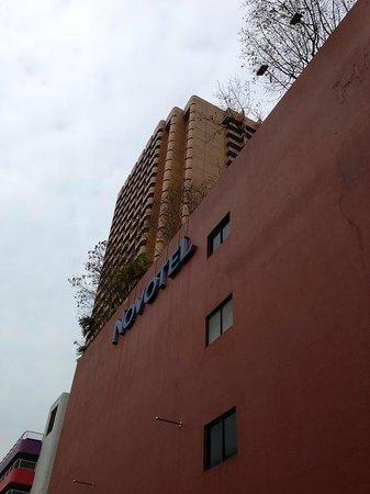Novotel Singapore Clarke Quay : ホテル外観