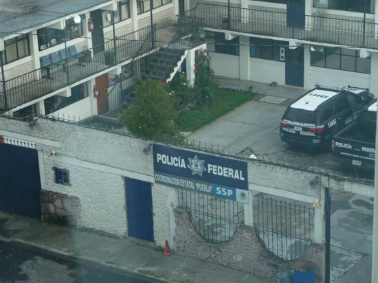 Fiesta Inn Puebla FINSA : Room view of the police station
