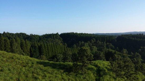 Auto Village Sasukra: 邸内より阿蘇方面の遠景