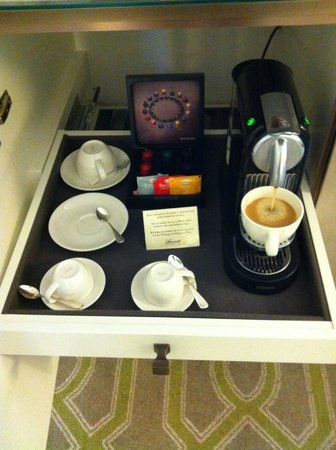 Fairmont Le Montreux Palace : Nespresso machine for the win!