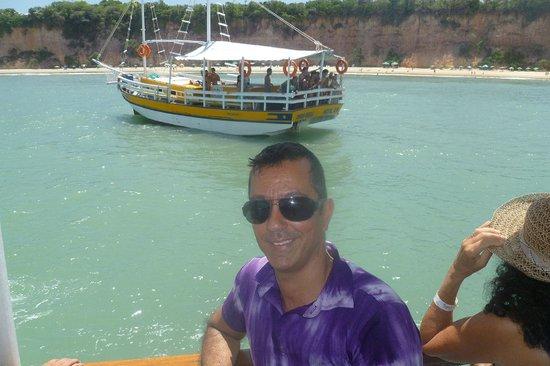 Dolphins Bay : passeio de escuna