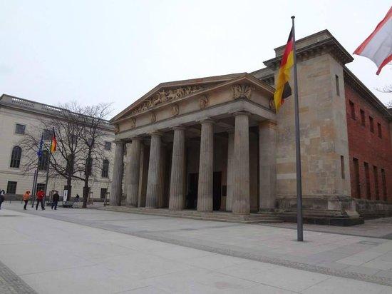 SANDEMANs NEW Europe Berlin: Neue Wache