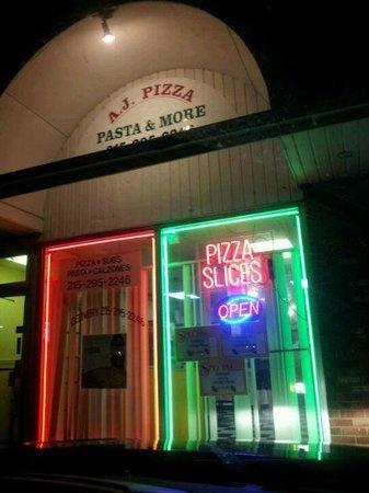 AJ Pizza & More: AJ's pizza