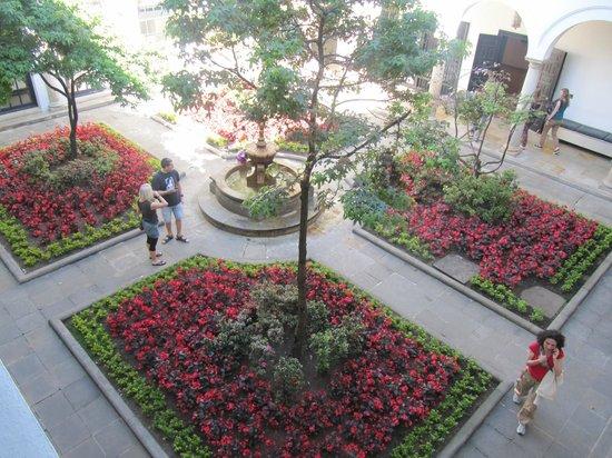 Musée de Bogota : Museo Botero, patio interno