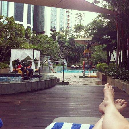 Shangri-La Hotel Kuala Lumpur : Shangri-La KL pool