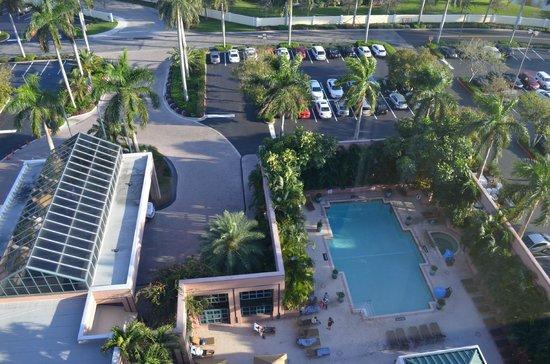 Boca Raton Marriott at Boca Center : piscina