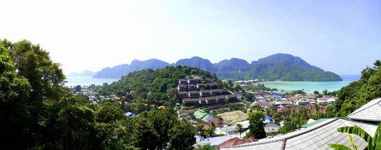 Phi Phi Arboreal Resort: вид с нашего балкона