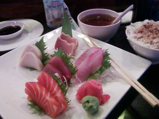 blue fin: Sashimi lunch.