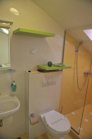 Hotel Lula: Bathroom