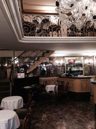 Caffe Lavena : Inside the caffe