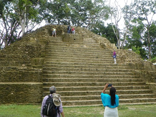 Sleeping Giant Lodge: Mayan Ruins
