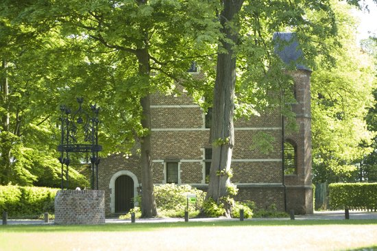 """Priorij Corsendonk: """"Het Gastenhuis"""""""