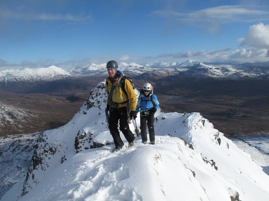Stewart Mountain Skills: Guiding in the North West