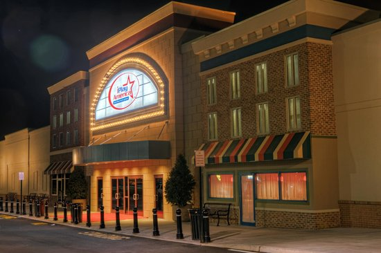 Freehold, NJ: iPlay America from the outside