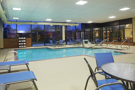 Comfort Suites Innsbrook: Indoor Pool Area
