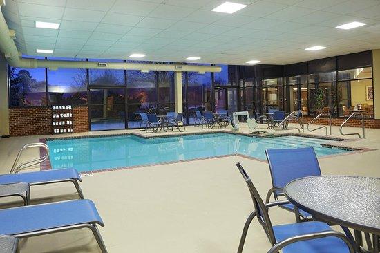 Comfort Suites Innsbrook: Indoor Pool Area