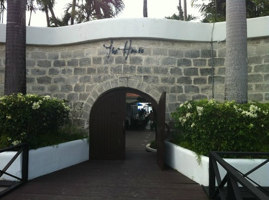 The House by Elegant Hotels: Entrance