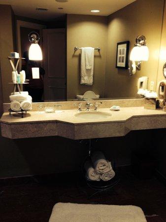 Omni Royal Crescent Hotel: Bathroom