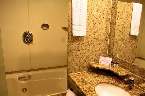 Vilamar Copacabana : Banheiro com Hidro