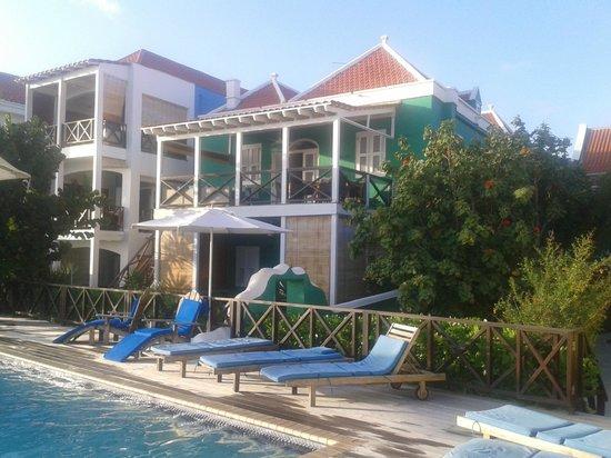 Scuba Lodge & Suites: Pool area