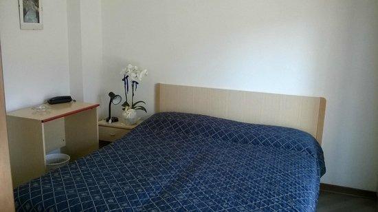Hotel Serenella: Camera da letto