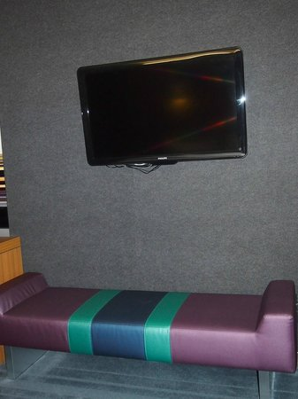 aloft Winchester: small sofa under tv