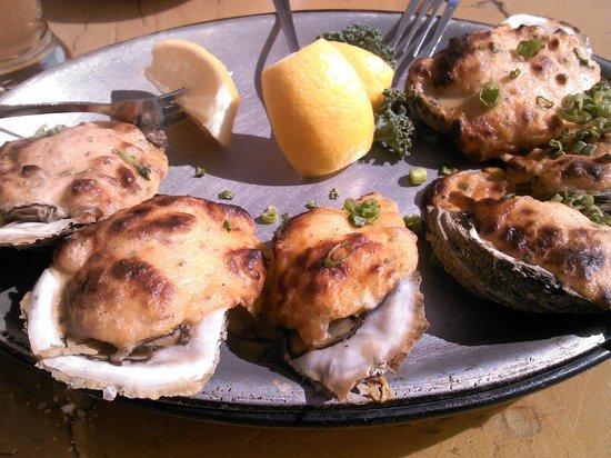 McElroy's Harbor House Seafood Restaurant : Not So Plain Jane Oysters - YUMMY!