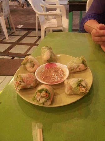 Green Bird: Spring rolls with shrimp