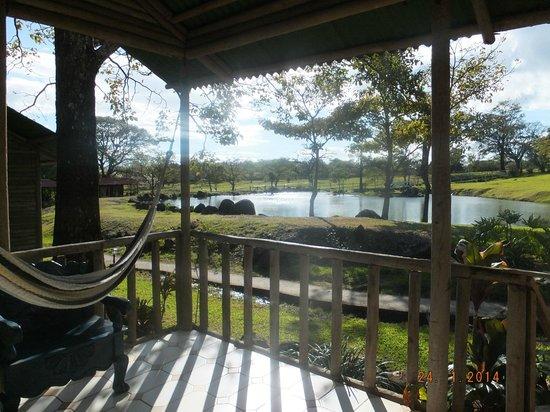 Rincon de la Vieja Lodge: balcony overlooking the lake